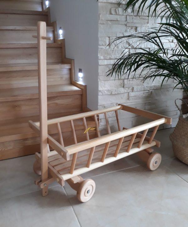 Drevený vozík rebriniak